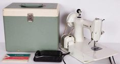 SINGER WHITE FEATHERWEIGHT Sewing Machine 221K 7 w Case 1964 UK Model Working | eBay