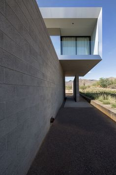 STAAB, a private residence in Scottsdale, Arizona, designed by Chen + Suchart Studio via @HomeDSGN