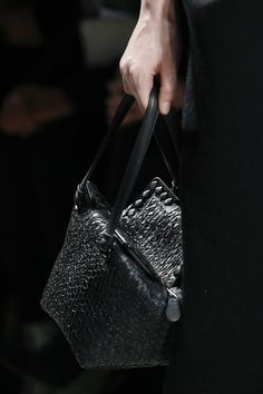 Bottega Veneta AUTUMN/WINTER 2013-14 READY-TO-WEAR CLOSE UP