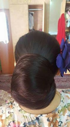 What a big black bun!!!!!!!!!!!!!!!!!!! I want to shear it now.
