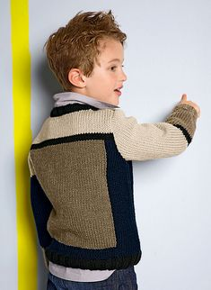 Knitting Baby Girl, Baby Cardigan Knitting Pattern, Boys Knitting Patterns Free, Knitting For Kids, Crochet Baby Pants, Crochet For Boys, Toddler Outfits, Kids Outfits, Pull Jacquard
