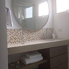 Detalles en cada espacio, un diseño único para cada cliente, Design by: Elizabeth Arévalo Diseño & Decoración. Bath Design, Sweet Home, Shabby Chic, New Homes, Interior Design, Mirror, Bathroom, Rooms, Furniture
