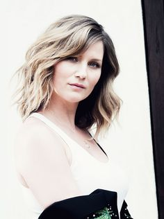 Jennifer Nettles official website
