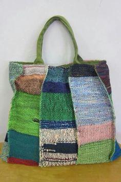 SAORI weaving by Mihoko Wakabayashi, my mentor at SAORI Worcester. Loom Weaving, Hand Weaving, My Bags, Purses And Bags, Weaving Projects, Fabric Bags, Handmade Bags, Bag Making, Lana