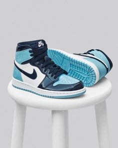 Nike Air Jordan 1 W Nike Shoes nike air jordan shoes Nike Air Jordans, Tenis Nike Air, Air Jordan Sneakers, Nike Air Shoes, Kd Shoes, Nike Socks, Moda Sneakers, Sneakers Mode, Sneakers Fashion