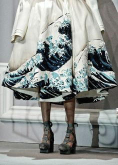 """pp: Dior couture spring 2007 coat based on the famous """"Wave"""" painting by Katsushika Hokusai"""