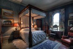 Blue Bedroom at Eastnor Castle, near Ledbury, Herefordshire, England Bedroom Red, Queen Bedroom, Bedroom Doors, Eastnor Castle, Castle Bedroom, Bedroom Furniture Design, Guest Bedrooms, Beautiful Bedrooms, Herefordshire