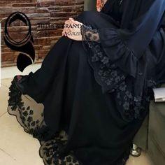 Burka Fashion, Iranian Women Fashion, Muslim Fashion, Fashion Dresses, Mode Abaya, Mode Hijab, Wedding Abaya, Pakistani Fashion Party Wear, Abaya Designs