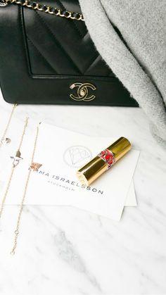 #jewelry #necklace #emmaisraelsson #diamond #gift #18K #ss18 #spring #news #newin #swedishdesign #inspo #styleinspo #spring2018 #bracelet #ring #engagementring Swedish Design, Louis Vuitton Twist, Chloe, Shoulder Bag, Engagement Rings, Diamond, News, Spring, Bracelets