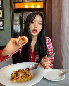 Wiz*one — Jang Wonyoung Eyes On Me, Japanese Girl Group, The Wiz, Cool Girl, Kpop, Cooking, Breakfast, Instagram, Random
