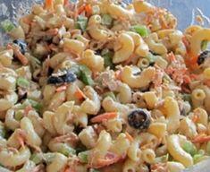 Recette : Salade de macaronis au thon. Food Dishes, Side Dishes, Macaronis, Side Dish Recipes, Salads, Sandwiches, Brunch, Food And Drink, Veggies