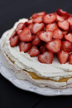 Lemon curd pavlova with strawberries