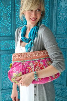 Love the oversized clutch.  Of course the fabric choices are awesome too.