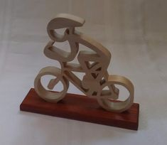 Stick figure bicyclist, wood, scroll saw cut. Fine Woodworking, Woodworking Projects, Wood Crafts, Diy And Crafts, Saw Wood, Scroll Saw Patterns, Wood Creations, Wood Plans, Stick Figures