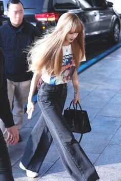 Blackpink Outfits, Korean Outfits, Fashion Outfits, Blackpink Fashion, Asian Fashion, Korean Airport Fashion, Jenny Kim, Kim Jisoo, Black Pink Kpop
