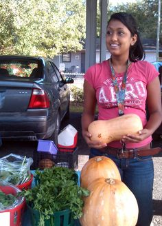 Singh Farms bringing out the winter squash!