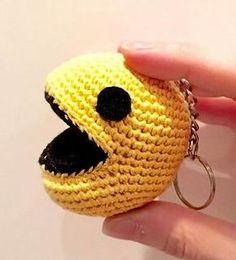 Pacman Keychain - free crochet pattern