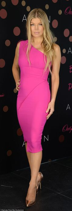 Perfect in pink! Fergie, 40, stuns in fuschia frock at her perfume launch revealing she thinks 'letting loose' with friends makes women better mothers | Daily Mail Online