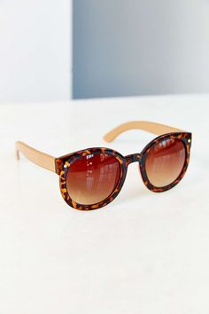 Emma Round Sunglasses - Urban Outfitters