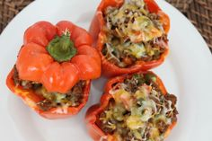 This easy stuffed bell pepper recipe is perfect for a weeknight meal. You won't believe how great it makes your house smell! Plus it's kid pleasing. Greek Recipes, Meat Recipes, Food Processor Recipes, Cooking Recipes, Healthy Recipes, Healthy Meals, Yummy Recipes, Healthy Food, Easy Meals