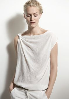 from moda-vestidos -convertibles board...great with sarongs as long as it covers the pits and has a draped neck....