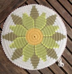 1 million+ Stunning Free Images to Use Anywhere Crochet Diagram, Crochet Motif, Crochet Doilies, Crochet Table Runner Pattern, Tapestry Crochet Patterns, Crochet Mandela, Crochet Carpet, Crochet Potholders, Crochet Home Decor