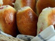 Nadýchané buchty za pár minut: Vyzkoušejte, určitě vám zachutnají! Ukrainian Recipes, Russian Recipes, Russian Foods, Pretzel Bites, Health Diet, Food Photo, Slow Cooker Recipes, Bakery, Cheesecake