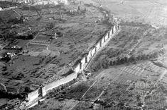 Via Cristoforo Colombo (1930 ca)Foto delle Mura Aureliane, nel tratto in basso a sinistra passerà la Cristoforo Colombo
