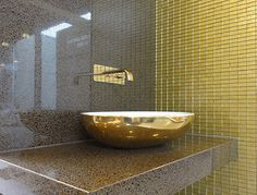 STAINMASTER™ Metallic Gold Grout adds a sophisticated touch that can be used in mosaics, on backslashes, and even on walls and in bathrooms. It can be used on indoor and outdoor projects and adds an industrial edgy flair to any tile project