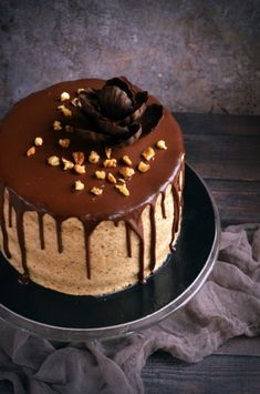 Discover our quick and easy recipe from Cupcake to Cook Expert on Current Cooking! Pasta Cake, Poppy Cake, Muffin Tins, Cakes And More, Quick Easy Meals, Fondant, Food And Drink, Birthday Cake, Pudding