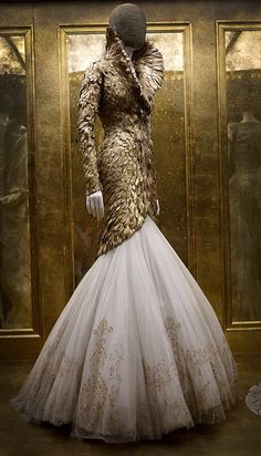Alexander McQueen 'Savage beauty'