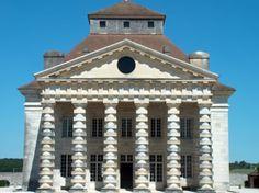 Bij dit gebouw vind ik het heel mooi hoe ze de voorkant hebben gedaan die palen en hoe ze het gebouwd hebben!