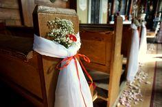 #decoration #wedding #flowers #rustic #bouquet #church #red #babybreath