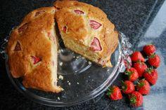 Aardbei Yoghurtcake Recept suikervrij http://www.ikwinkelgezond.be/nl/recepten/d/detail/aardbei-yoghurtcake-zonder-suiker