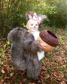 47 halloween costume ideas for kids!Whether you\'re looking for a Halloween costume for yourself your . a dozen Halloween parties to go to because I was swimming in great costume ideas. Cute Baby Halloween Costumes, Homemade Halloween Costumes, Fete Halloween, Halloween Costume Contest, Cute Costumes, Halloween Kids, Costume Ideas, Homemade Toddler Costumes, Halloween Carnaval
