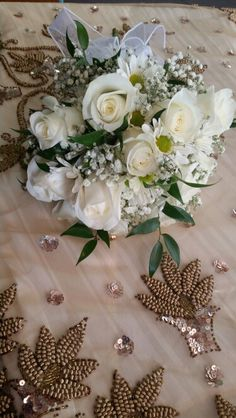 Bridal bouquet roses, daisies & babies breath