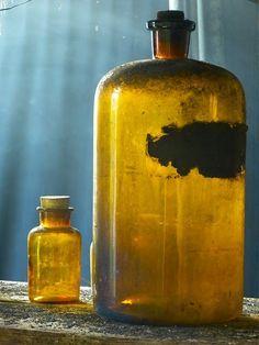 Une lotion a utiliser après le démaquillage, pour resserrer les pores et affiner le grain de peau. Un soin, composé d'hamamélis, aux prop...