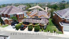 Casa en La Cima Ruitoque Condominio Cabin, Mansions, House Styles, Home Decor, Condos, Real Estate, Decoration Home, Manor Houses, Room Decor