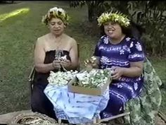 Auntie Maile makes a Haku Lei for Weddings ハクレイ手作り