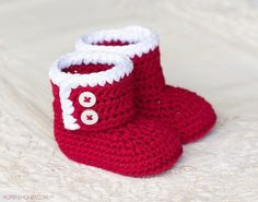 Santa Baby Ankle Booties - Crochet Pattern. Perfect DIY gift idea for a winter baby.