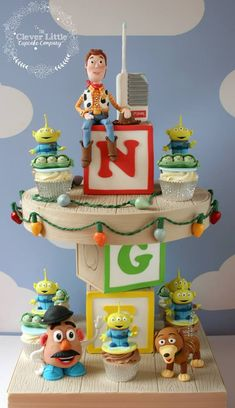 Toy Story Tower of Cupcakes( Cupcakes made of a mixture of Chocolate & Carrot Cake by The Clever Little Cupcake Company Bolo Toy Story, Festa Toy Story, Toy Story Party, Disney Cupcakes, Fun Cupcakes, Cupcake Cakes, 3d Cakes, Baby Cakes, Cupcake Ideas