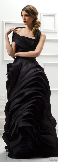 Fashion Black Design Gowns Ideas For 2019 Fashion Week, Trendy Fashion, Fashion Black, Gq Fashion, Runway Fashion, Haute Couture Fashion, Looks Style, Beautiful Gowns, Dress Up
