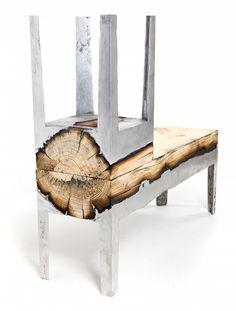 Ces meubles très design sont nés de l'incroyable fusion entre des bûches de bois et l'aluminium | Buzzly