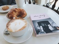 ♡ When all you need is a coffee / tea and possible some sweets #coffee #teatime Pinterest: roos_anna