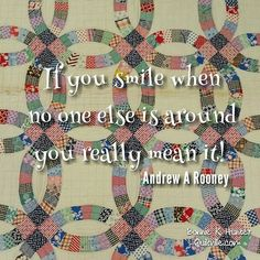 There's always a reason to smile, you just have to find it! Vintage double wedding ring quilt found in Kansas! . . #quilt #quilting #patchwork #quiltville #bonniekhunter #vintagequilt #antiquequilt #deepthoughts #wisewords #wordsofwisdom #quiltvillequote #inspiration