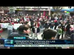 Manifestantes chilenos repudian gestión de Piñera