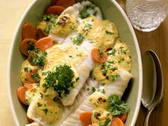 Dinner Recipes Roasted salmon on mustard carrots – smarter – Calories: 330 Kcal – Time: 30 minutes … Fish Recipes, Low Carb Recipes, Cooking Recipes, Healthy Recipes, Shrimp Recipes, Sauce Recipes, Oven Dishes, Fish Dishes, Roasted Salmon