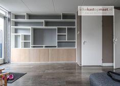 Built In Shelves Living Room, Living Room Wall Units, Living Room Designs, Bookshelf Design, Bookcase Storage, Shelving, African Interior Design, Chatham House, Elegant Living Room