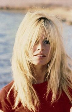 My next hair cut courtesy of Brigitte Bardot Hairstyles With Bangs, Pretty Hairstyles, Celebrity Hairstyles, Bardot Brigitte, Bridget Bardot Hair, Brigitte Bardot Hairstyle, French Actress, Grunge Hair, Great Hair