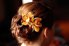 Fall Wedding | flowers for bridesmaids hair
